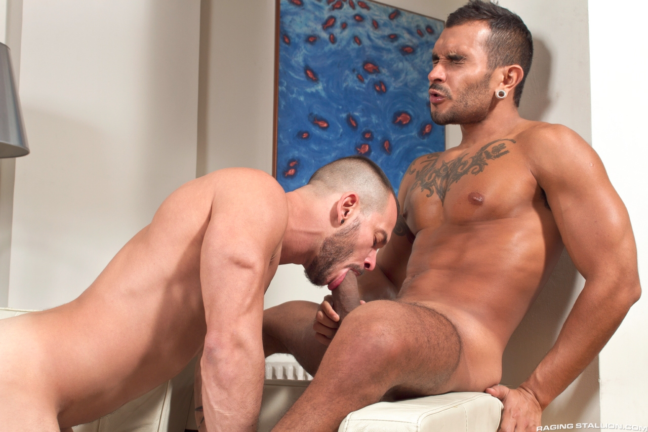 6 Ft 4 in Str8 Hung Macho Dude