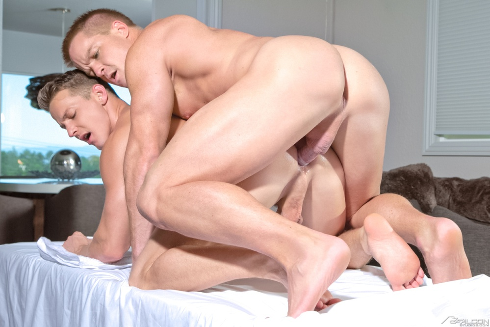 threesome suck balls while fucking
