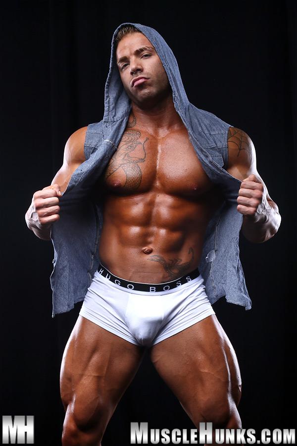 Bodybuilders gay naked lads tube