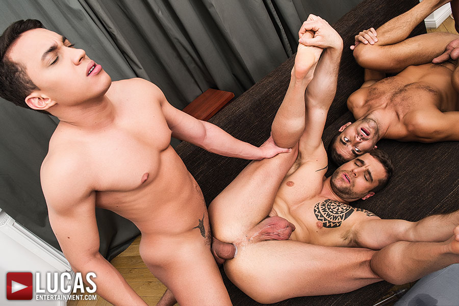 Latinos Dylan And Isaac Fuck Bareback