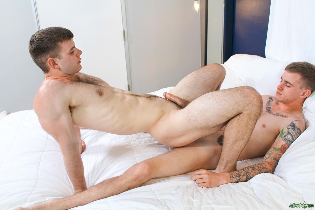 Jordan kingsley gets it on with her voluptuous friend jamie brooks